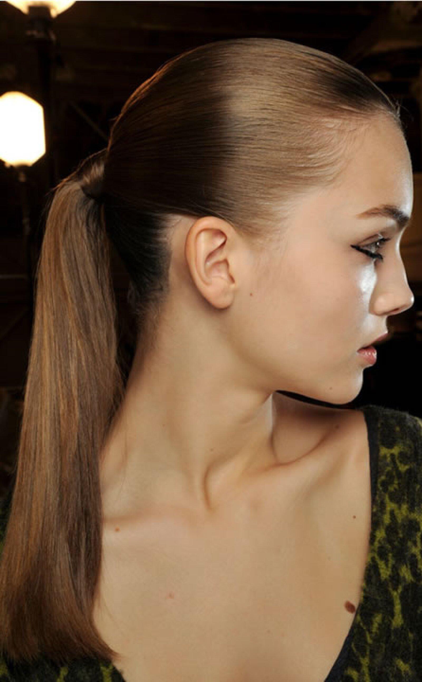 Coletas altas son ideales para el calor y destacar la cara.