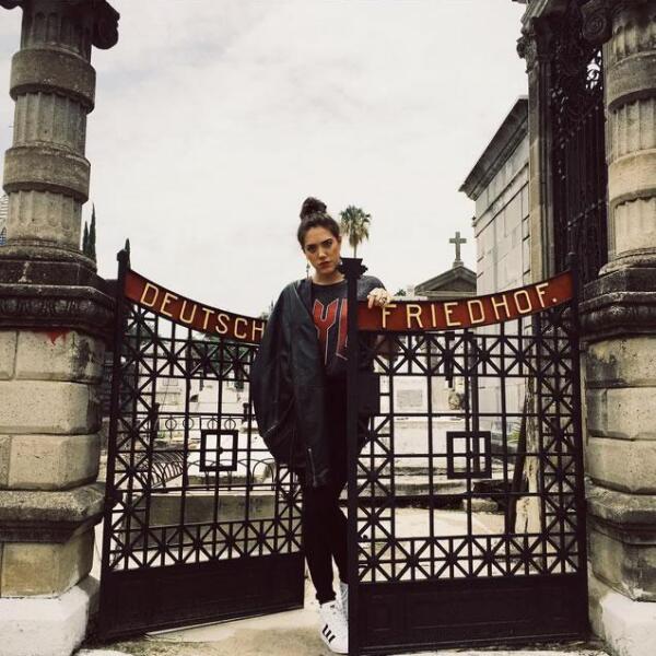 La guapa tapatía, Julia Hecht, en las calles de Londres