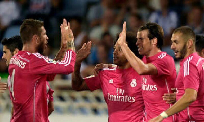 El 'Chicharito' tiene un menor valor de mercado que Gareth Bale, aunque mayor al de Iker Casillas. (Foto: Reuters)