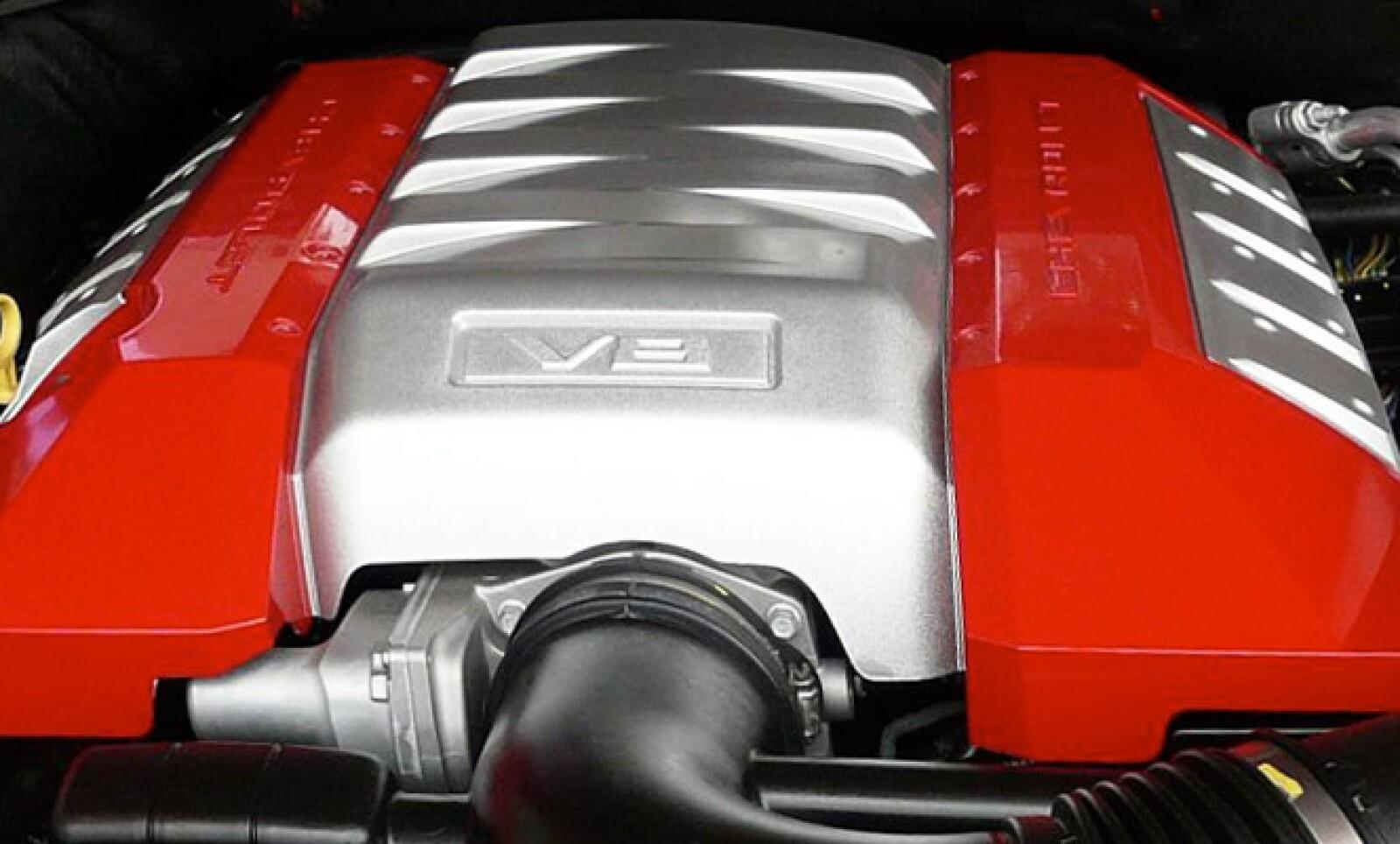 potente motor 6.2 L  de 8 cilindros y 400 HP