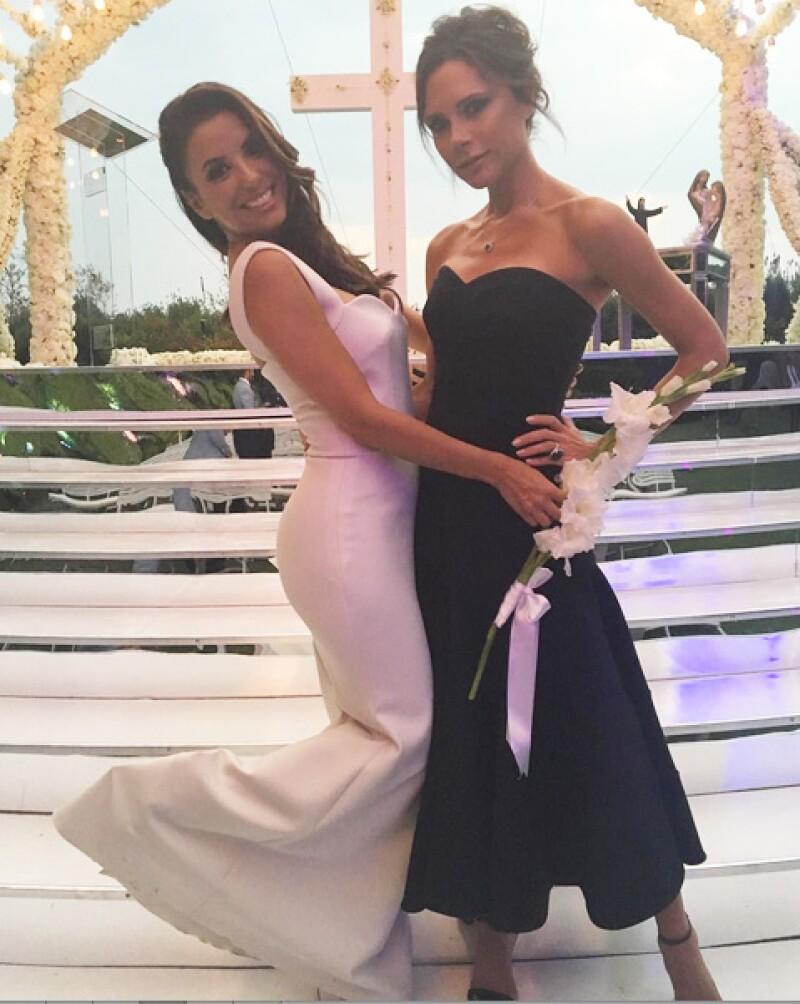 Victoria fue quien diseñó el vestido de novia de Eva.
