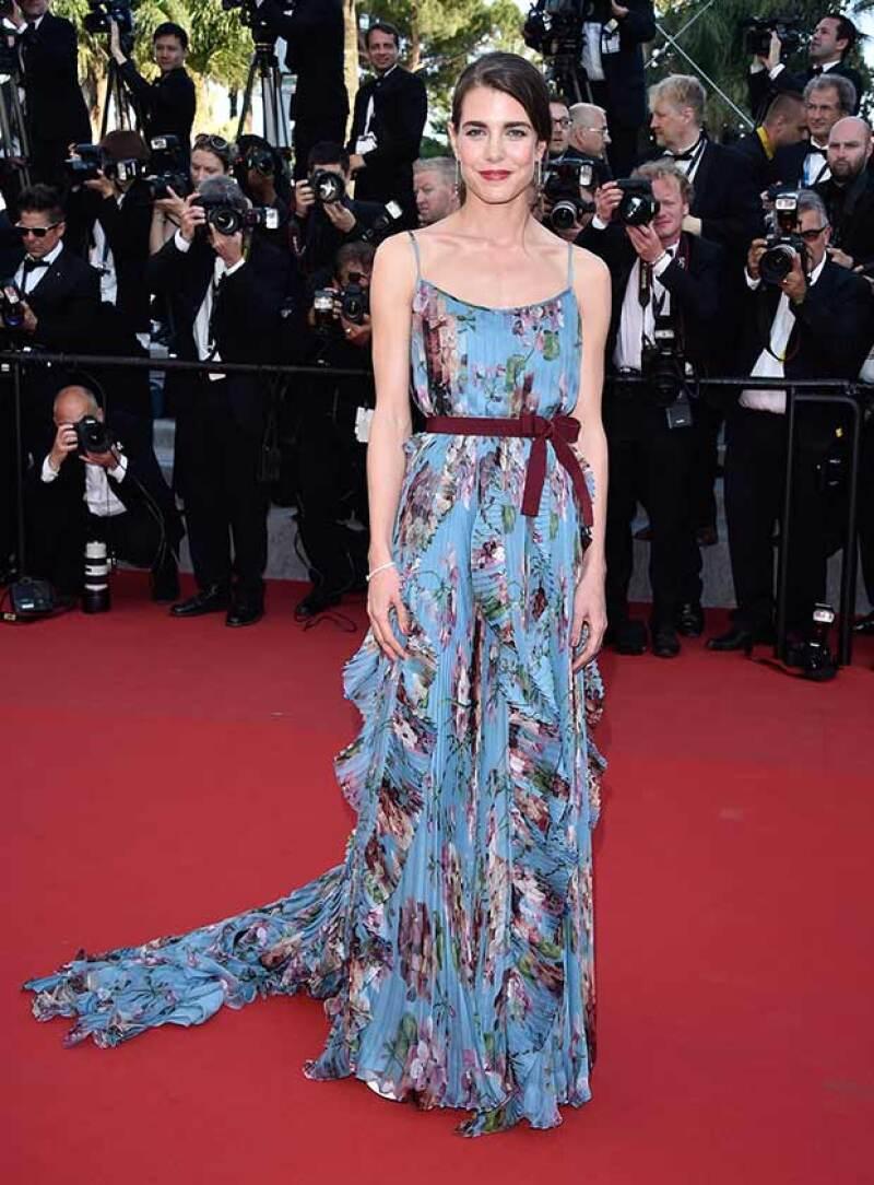 La hija de Carolina de Mónaco encantó a su paso por el Festival de Cannes con un diseño Gucci, fiel a su siempre elegante estilo.