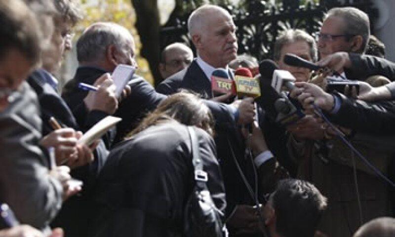 Los analistas auguran semanas de incertidumbre bursátil por el llamado a referendo de Grecia. (Foto: Reuters)