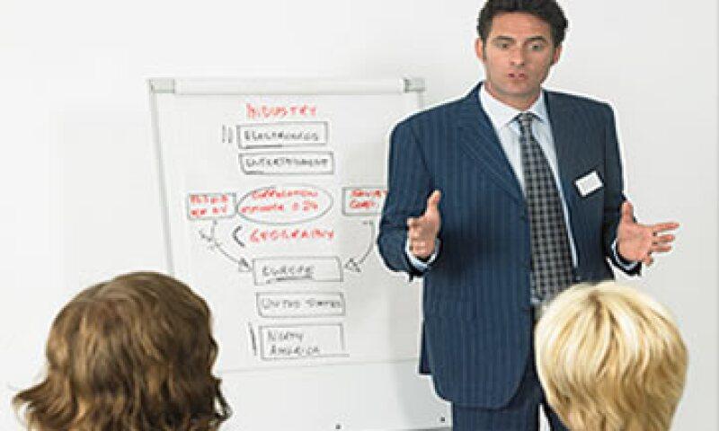 Revisar la estrategia de mercadotecnia de tu empresa, es revisar la estrategia global. (Foto: Thinkstock)