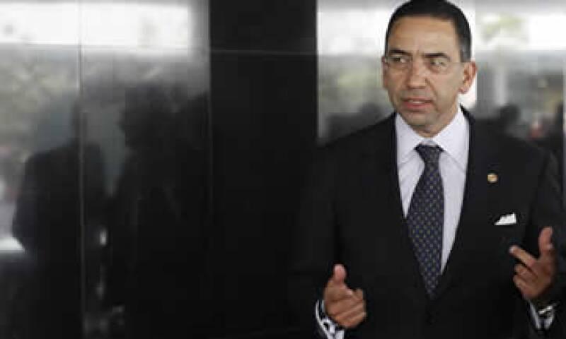En abril, el senador Javier Lozano propuso un plazo de 24 meses para determinar si Telmex puede entrar a la televisión.  (Foto: Cuartoscuro)