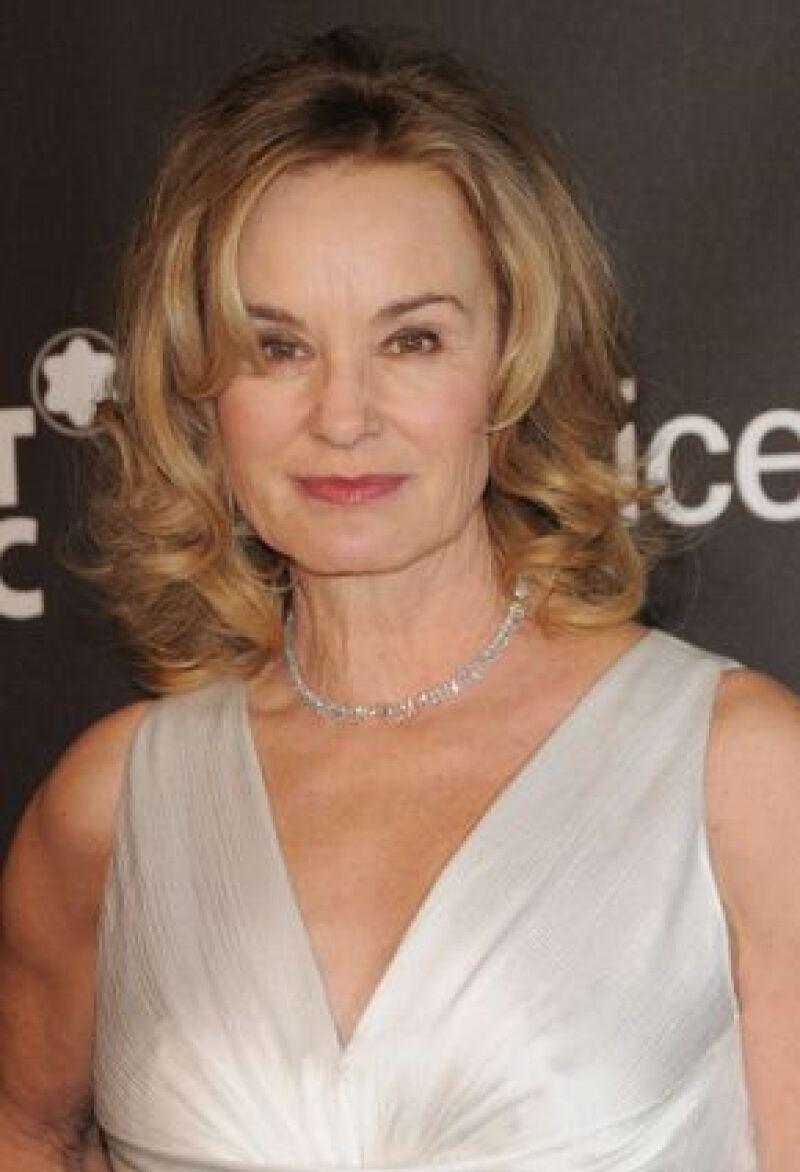 La actriz fue hospitalizada tras caer por las escaleras de su casa cerca de Duluth, Minnesota.
