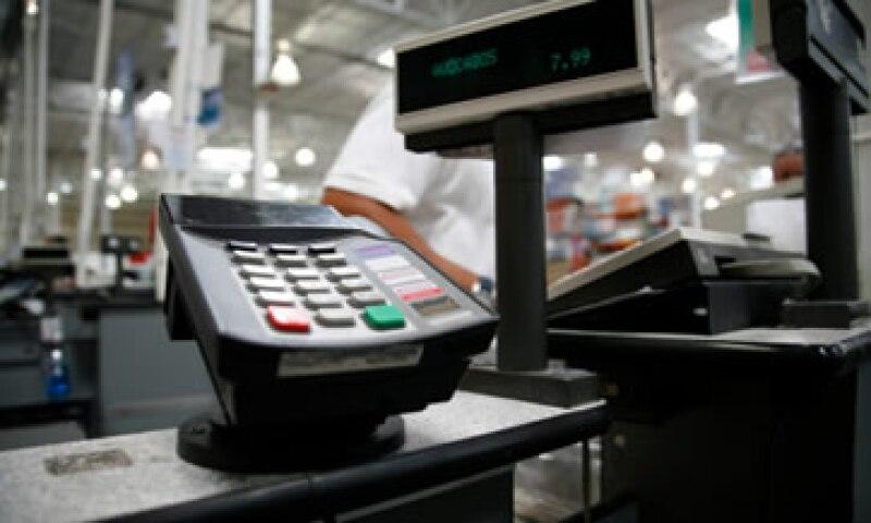 Los consumidores estadounidenses temen por un alza en las tasas de interés. (Foto: Getty Images)