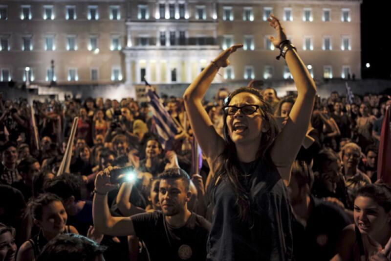 Grecia deberá pagar este 20 de julio la cantidad de 3.5 billones de euros, de lo contrario sus bancos quebrarán.