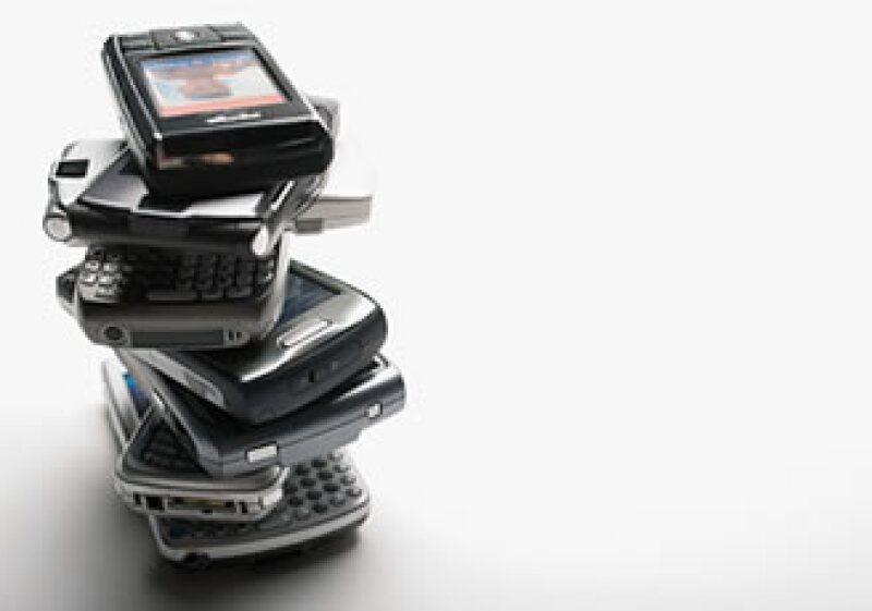 Varias firmas regionales de telefonía móvil han desaparecido ante el embate de empresas más poderosas. (Foto: Jupiter Images)