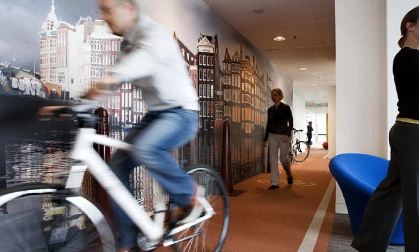 En las oficinas de Zurich también hay un circuito especial para utilizar la bicicleta dentro del campus.