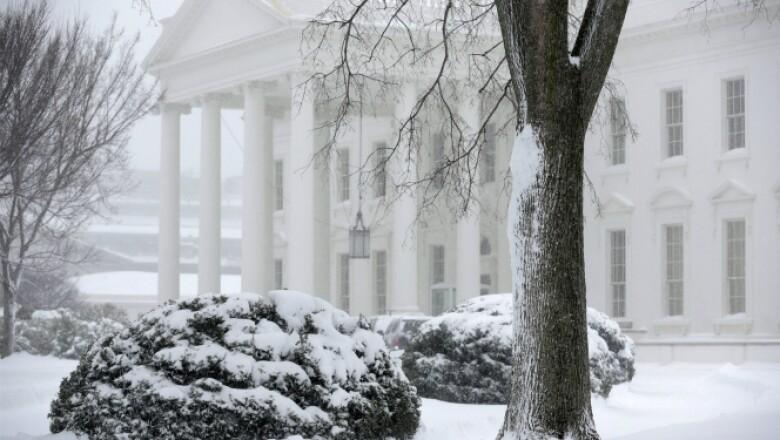 La residencia presidencial durante la tormenta invernal de este sábado