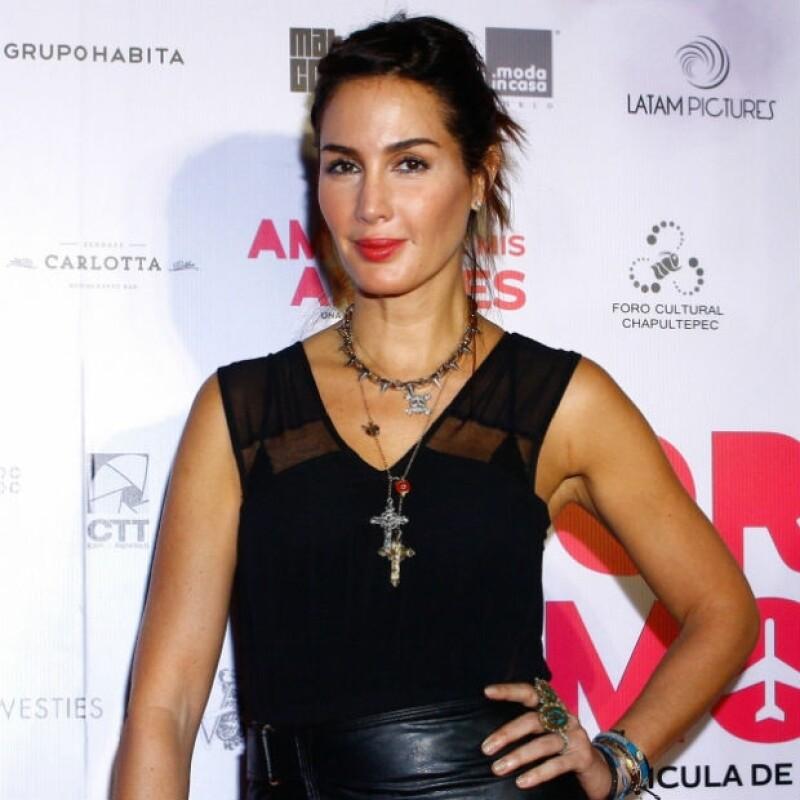 La actriz comparte un importante momento de su faceta como modelo al hablar de cuando desfiló en tres ocasiones con el diseñador de moda dominicano.