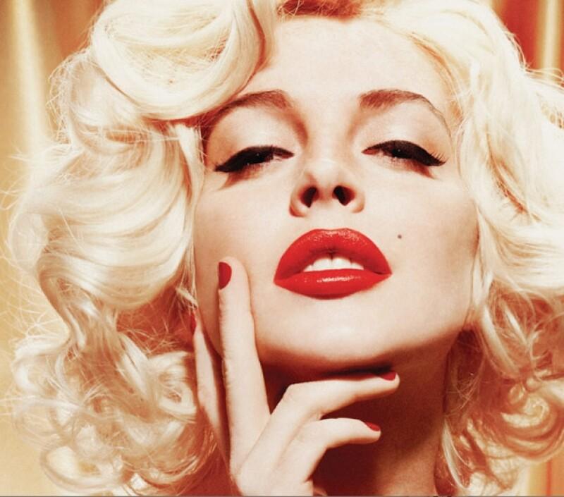 Las imágenes que aparecerán en la edición de enero de la revista del conejito, en las que aparece emulando a Marilyn Monroe.