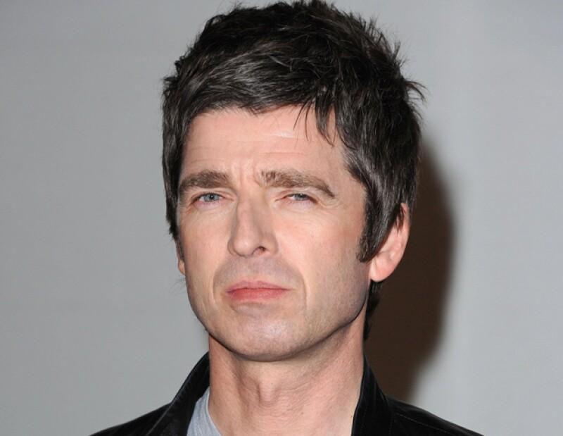 El músico británico señaló, en tono irónico, que considera que lo mejor que ha hecho por el rock es haber llevado a su hermano a la escena mundial.