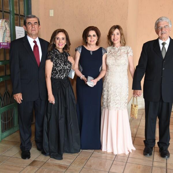 Eduardo Baeza, Maria Antonieta Baeza, Hortencia Mares, Cristina Cant£ de Mesta y Daniel Mesta.jpg