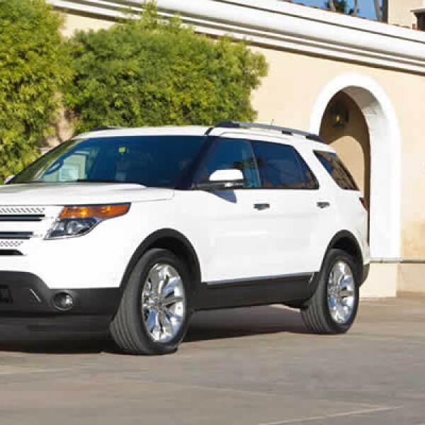 En la parte mecánica, Ford se esforzó mucho en que la Explorer 2011 tuviera el mejor consumo de su clase, incorporando un motor V6 , que es 25% más eficiente.