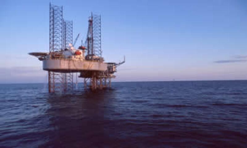 El petróleo de EU operó entre los 96.13 y los 99.32 dólares. (Foto: Photos to go)