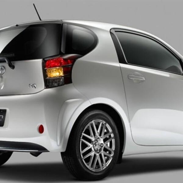 Este vehículo creado por Toyota está pensado para la familia pequeña con intereses ambientales.