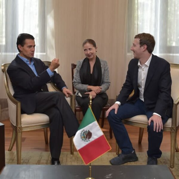 Zuckrberg dijo que platicó con Peña Nieto su iniciativa sobre Internet.org.