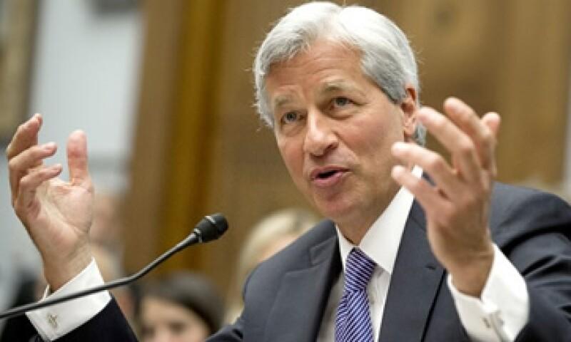 El presidente y director ejecutivo de JPMorgan, Jamie Dimon, recibe actualmente una compensación de 11.5 mdd al año. (Foto: Archivo)