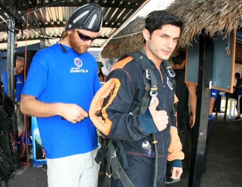 El actor venezolano disfrutó saltar en paracaídas pues disfruta del ejercicio y los deportes.