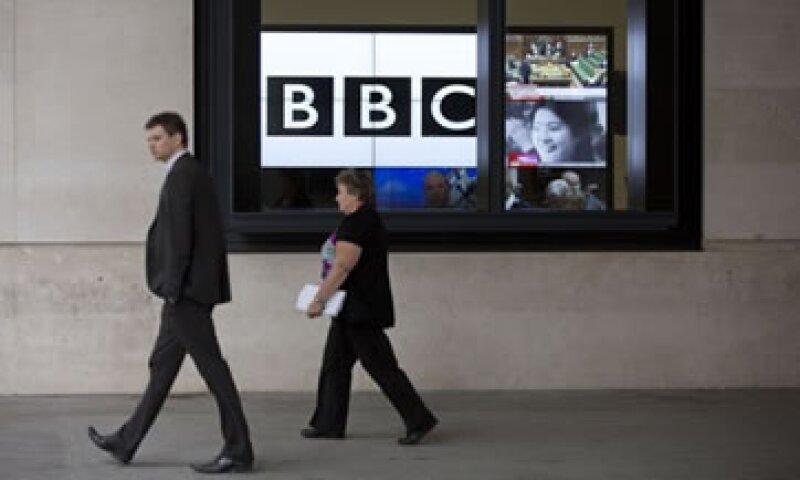 La BBC se disculpó por el reportaje en el que acusaba a un ex político de abuso infantil.  (Foto: Reuters)