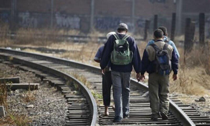 La migración, válvula de escape para la economía, es la salida más rápida que ven mexicanos para obtener empleo. (Foto: AP)