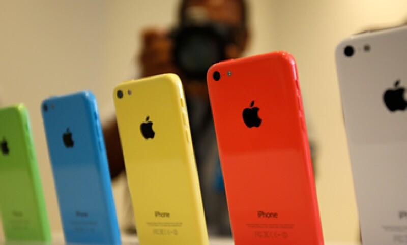 Los modelos iPhone 5c fueron los que menos demanda en la venta nocturna. (Foto: Reuters)