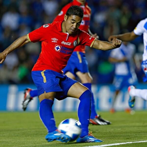 Al minuto 93 Marco Fabián realizó una jugada