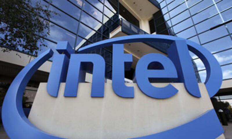 Intel intenta acelerar su ingreso en los mercados de tabletas y teléfonos inteligentes. (Foto: AP)