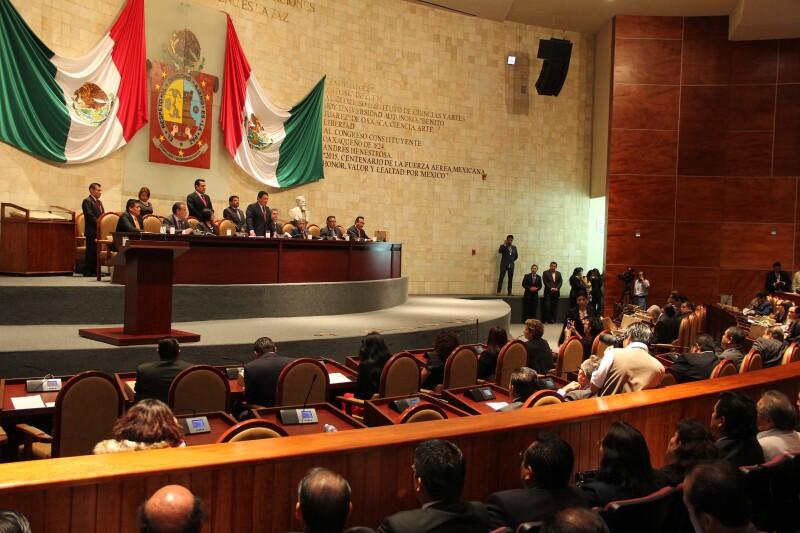Según datos del conteo preliminar, la alianza PRI-Partido Verde contaría con mayoría legislativa en Oaxaca.