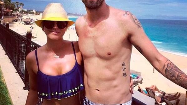 La guapa actriz se cuentra disfrutando de las playas mexicanas en compañía de su esposo Ryan Sweeting y un grupo de amigos.