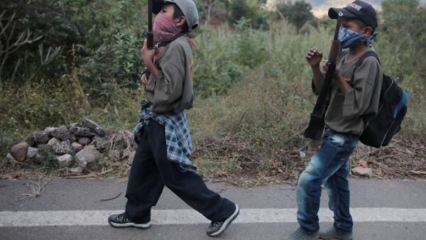 Niños armados en Chilapa