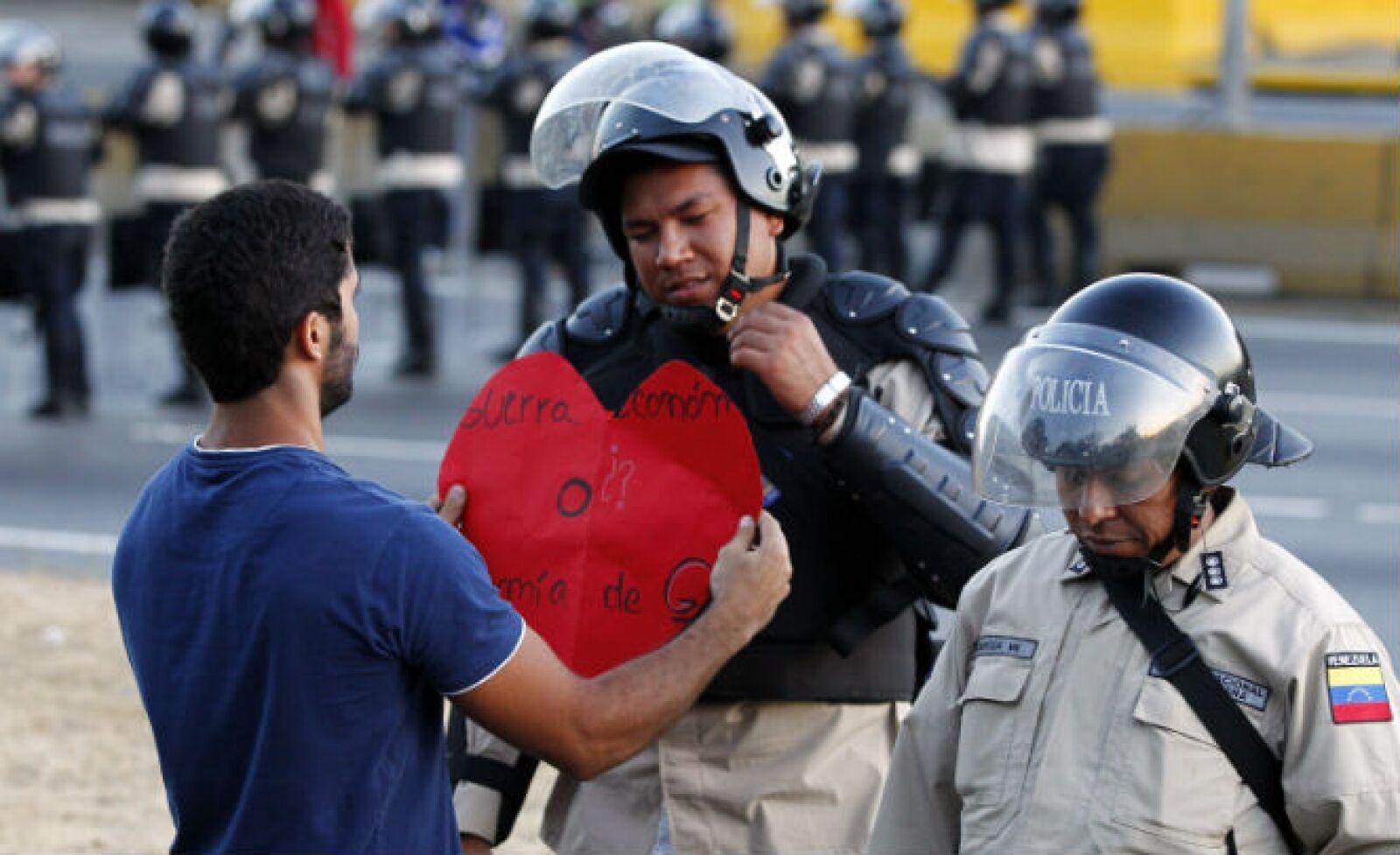 La inflación, la delincuencia y la represión del Estado son algunos de los motivos por los que protestan, señalan los opositores.