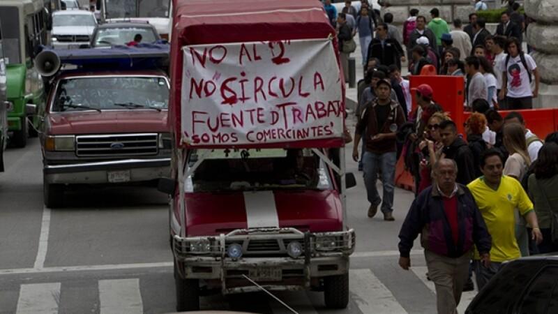 Autos, protesta, hoy no circula