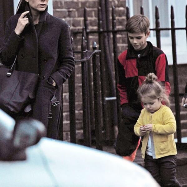 Los hijos del matrimonio han crecido exponencialmente, antes Harper necesitaba siempre los brazos de mamá, ahora camina por ella misma.