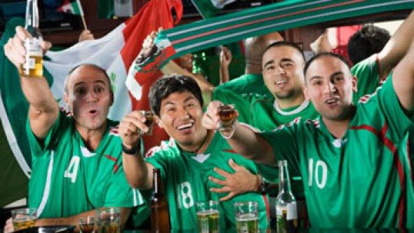Cada gol del Tri equivale también a un mayor consumo de cerveza. (Foto: Getty Images)