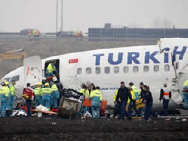 En el avión viajaban 135 personas. (Foto: Reuters)