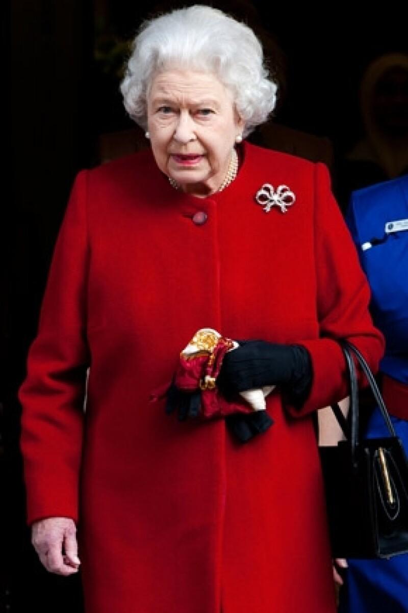 Debido a una gastroenteritis, la monarca estuvo hospitalizada 24 horas para supervisar su salud.