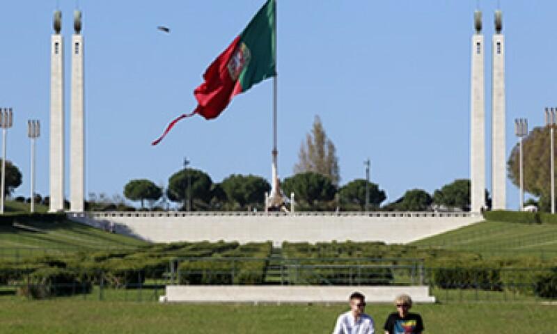 Este año Portugal debe reducir el déficit de su PIB a 4.5%. (Foto: AP)