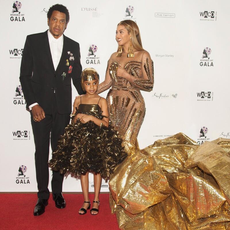 Blue Ivy Carter con sus papás