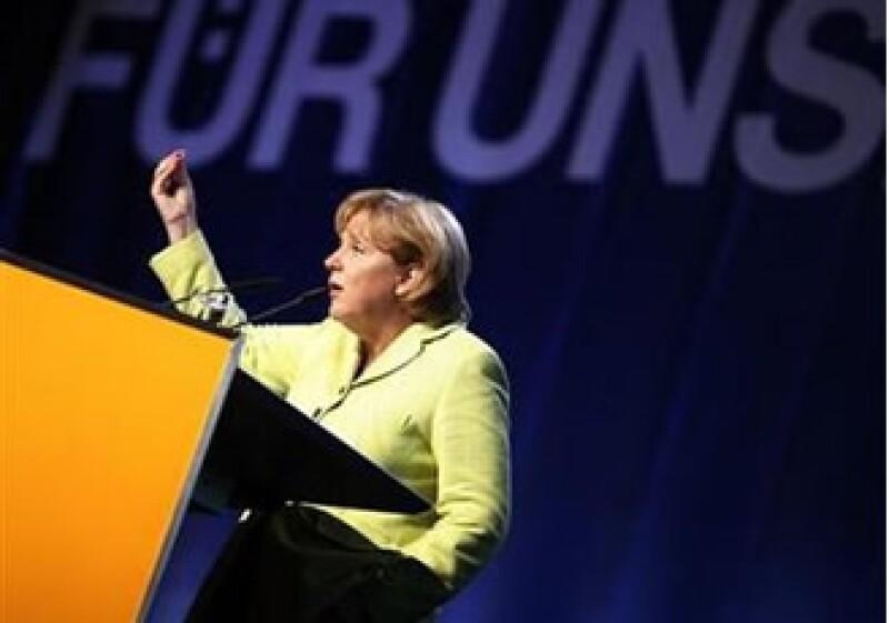 Merkel y los líderes de Francia y Gran Bretaña pidieron al G20 que aborde la necesidad de una regulación más estricta del sector financiero. (Foto: Reuters)