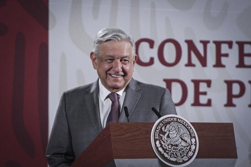 Conferencia de AMLO en Palacio Nacional 200422