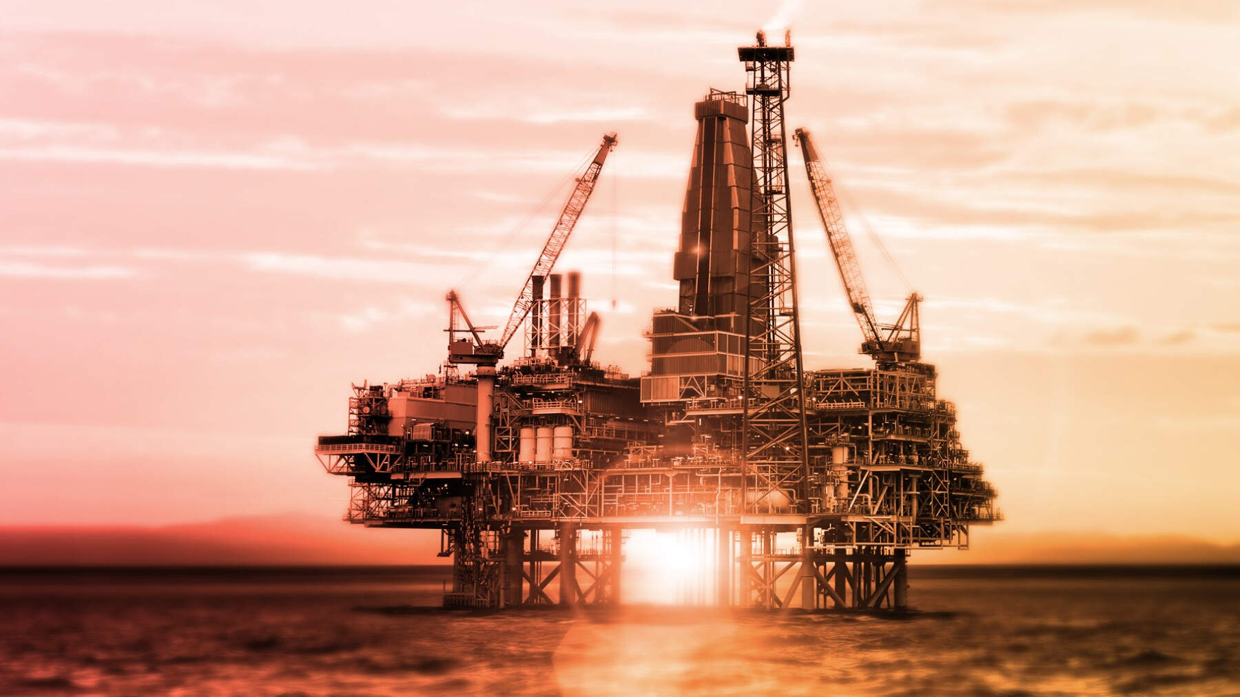 El petróleo operó entre los 100.74 y los 102.44 dólares. (Foto: Photos to go)