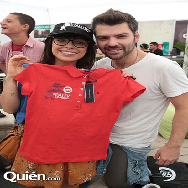 Marcela Guirado participó en el rally apoyada por su novio Vince Miranda.