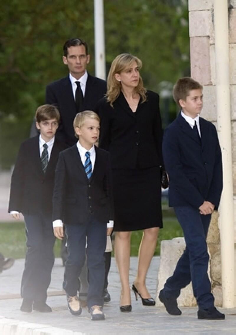 A pesar de los rumores de divorcio, se dice que Iñaki viajará a Mallorca para pasar unos días en familia.