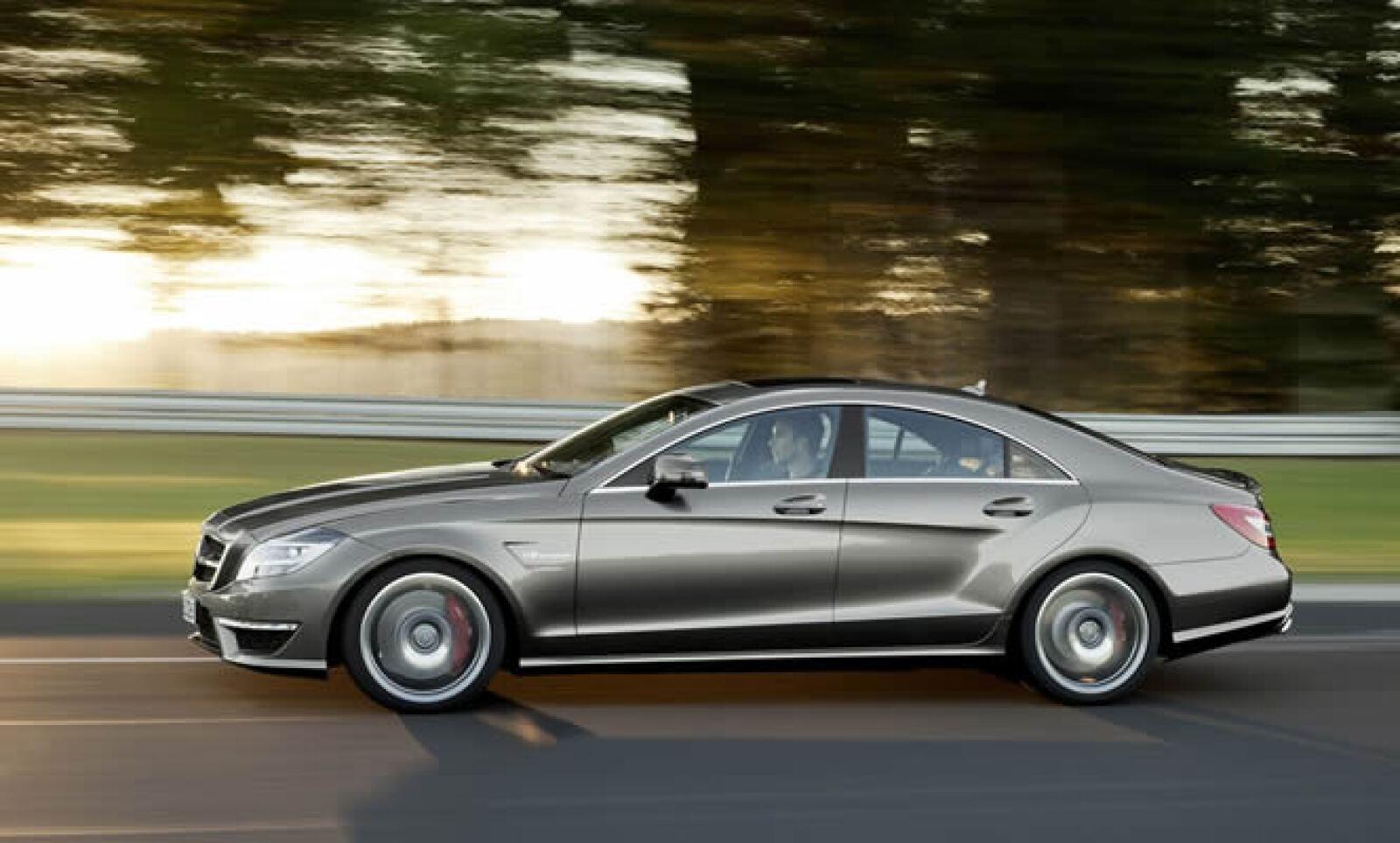 """""""Este vehículo representa una experiencia única de alto desempeño. Nos marca un estándar en materia de diseño, desempeño y eficacia"""", dijo Ola Källenius, jefe de la división AMG de la automotriz."""