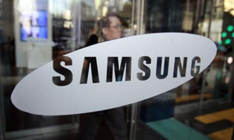 Samsung superó a Apple como el mayor fabricante mundial de teléfonos inteligentes. (Foto: AP)