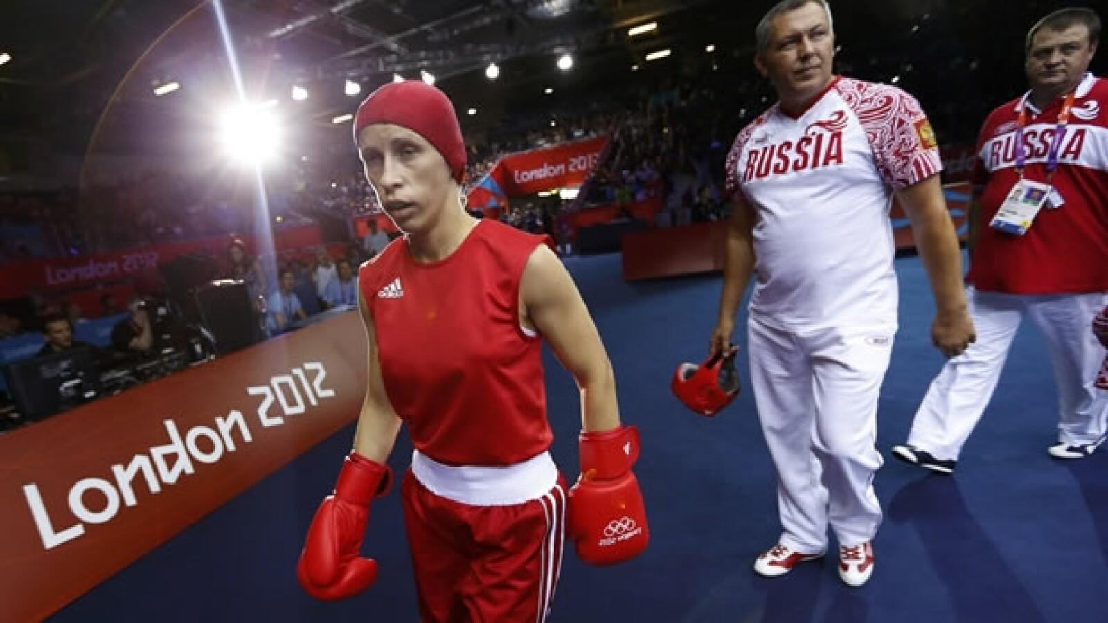 Elena Savelyeva gana una pelea
