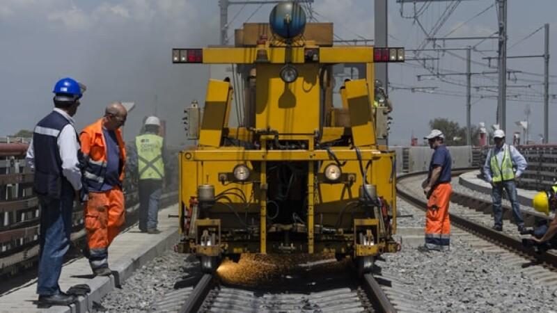 Trabajos de rehabilitación de la Línea 12, que corre de Tláhuac a Mixcoac